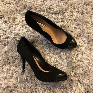 H by Halston black heels patent toe
